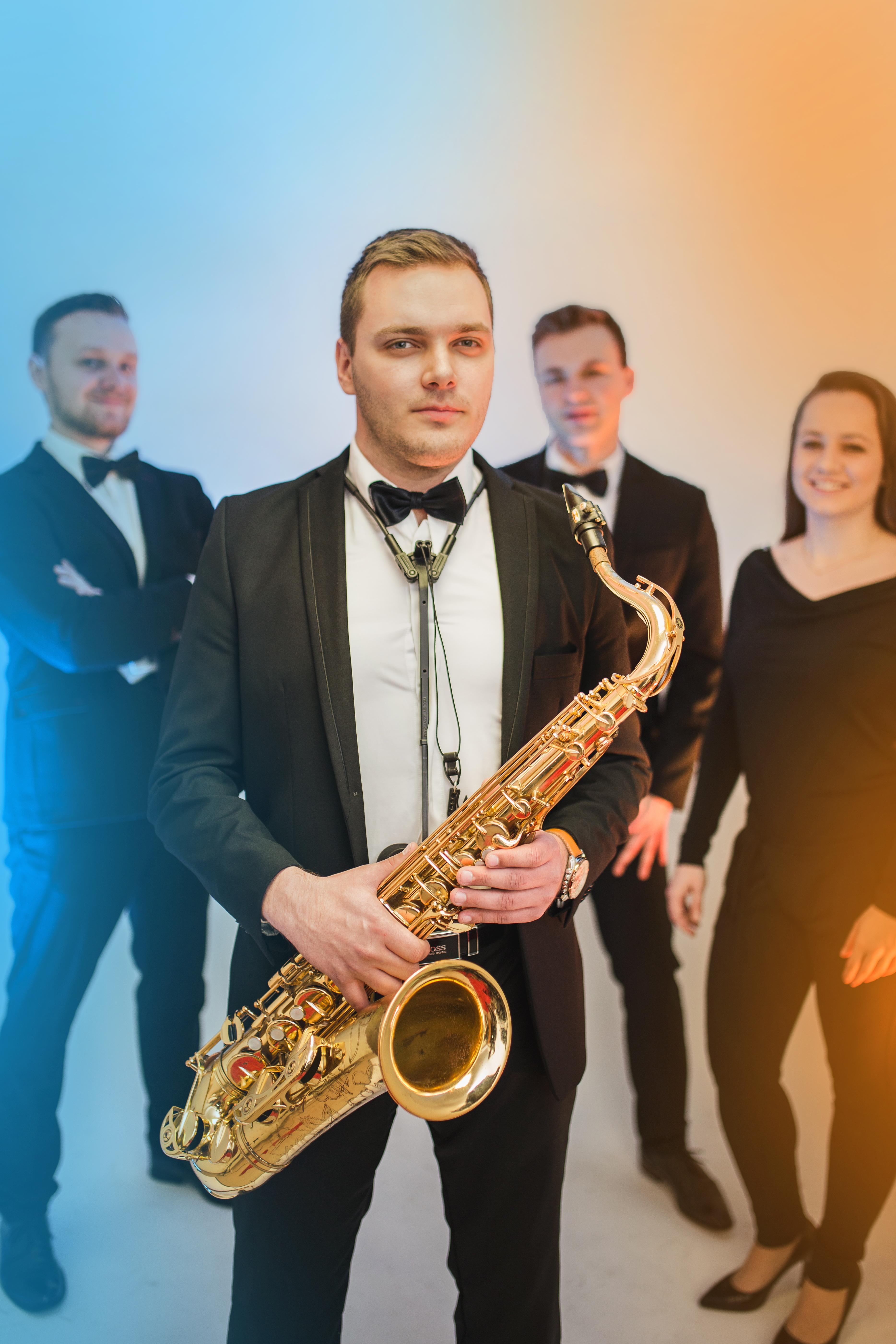 Mikołaj - saksofon tenorowy, altowy