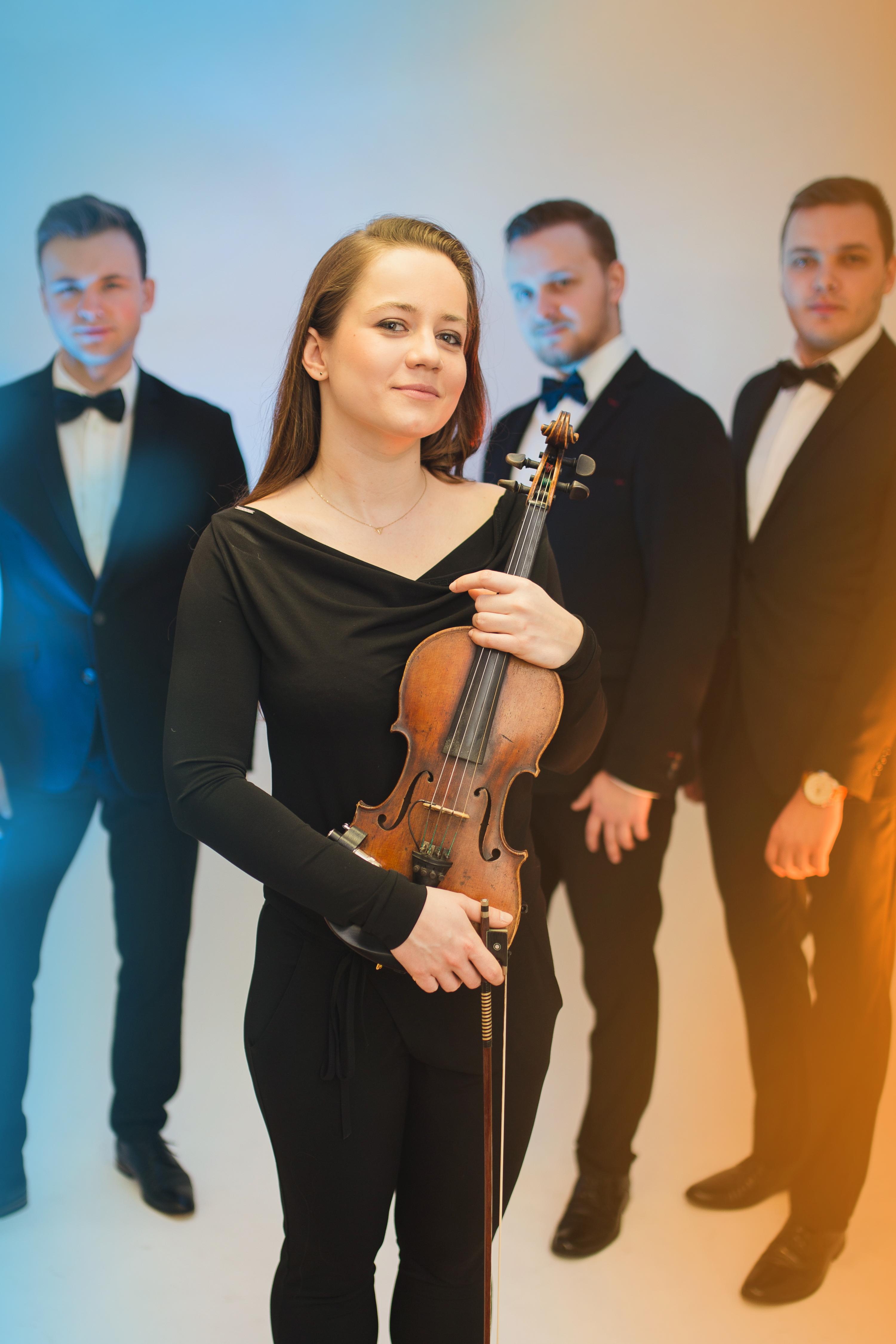 Natasza - wokal, skrzypce